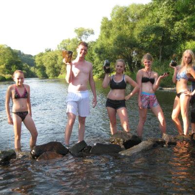 Samen dammen bouwen en ervaren hoe het water omgelegd kan worden